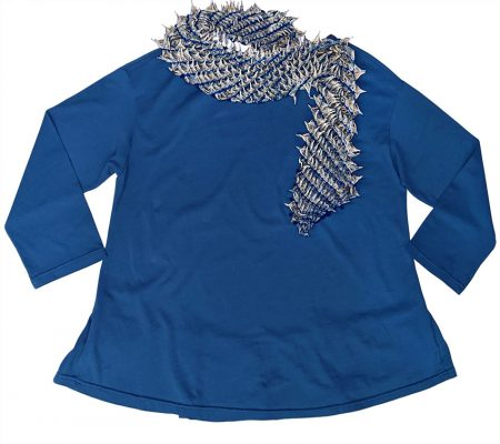 ma B knit tee with peplum hem at the back. Paired with Bunzaburo 100% silk shibori-dyed scarf, made in Japan