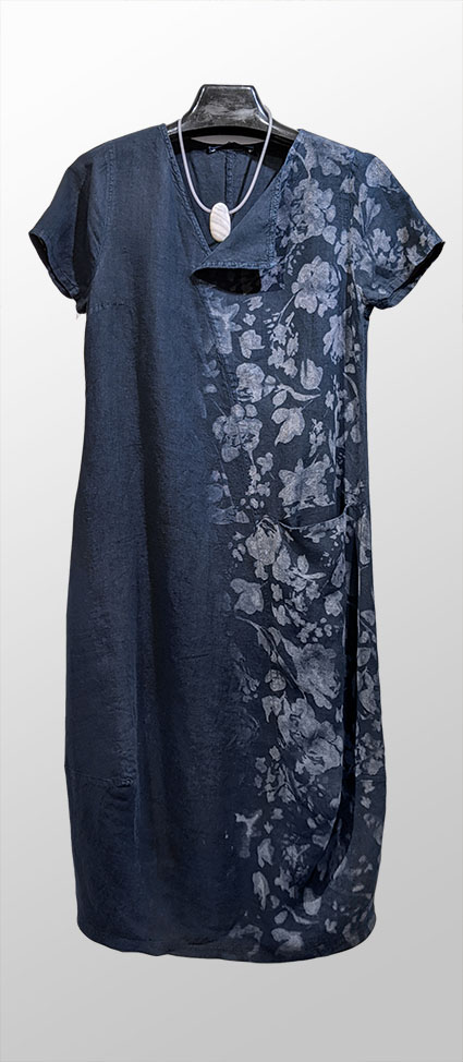 Elemente Clemente 100% linen dress in Navy blue, with laser-etched design