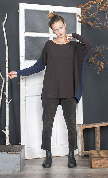 Mama B two-tone onesize cozy top.