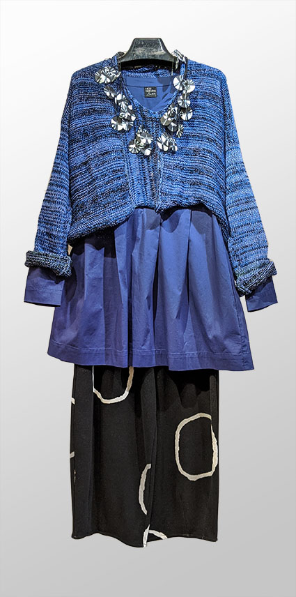Skif crop sweater, over Mes Soeurs et Moi cotton blouse in Royal blue. Over Mama B cozy knit pants with circles design.