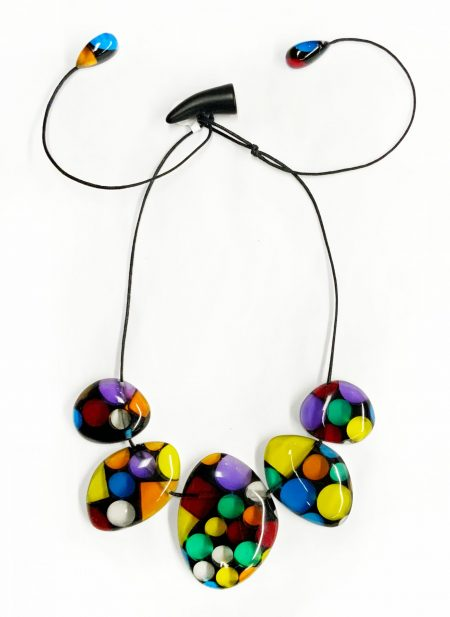 Sobral dotted pebbles short necklace.