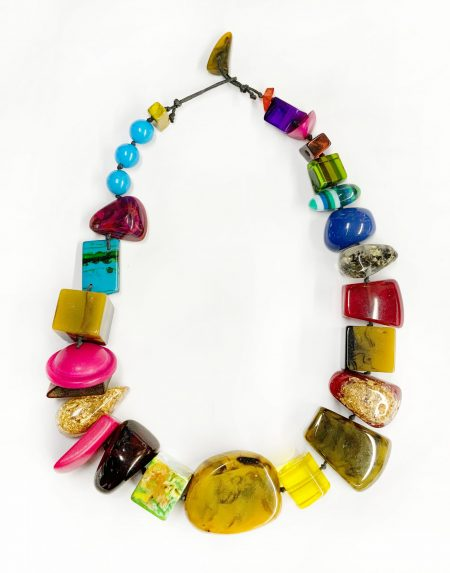 Sobral colorful resin stones necklace.