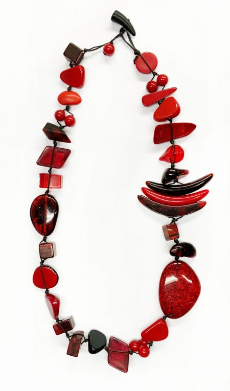 Sobral classic resin stones necklace in Red.