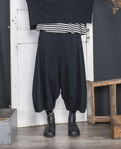 Mama b drop-rise harem pants in black french terry.