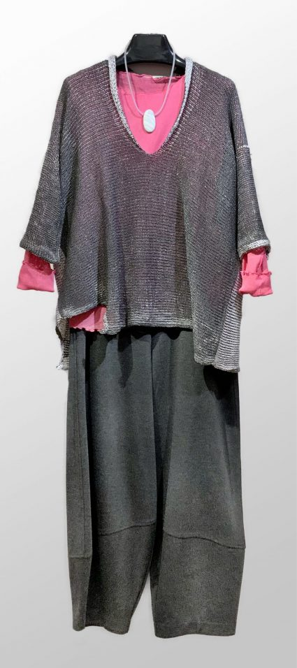Skif reversible knit cardi with metallic overprint. Layered with a Motion 100% cotton mesh tee, and Motion bubble pants in charcoal grey doubleknit.
