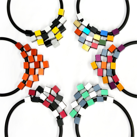 Collars with colourful square aluminum beads. Adjustable length.