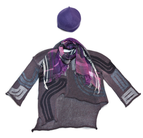 Skif asymmetric printed pullover, paired with a Tamaki Niime 100% cotton gauze scarf, and a Kopka wool beret.