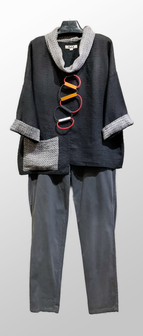 Flax 100% linen blouse in a special weave, over Oska brushed cotton trousers in grey.