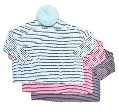 Motion onesize striped tencel tees, paired with a baby blue beret.