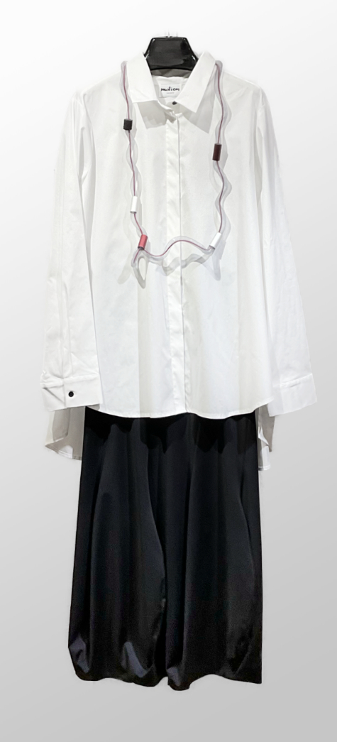 Motion cotton blouse with button-back detail, over an Elemente Clemente technical knit gored bubble skirt.
