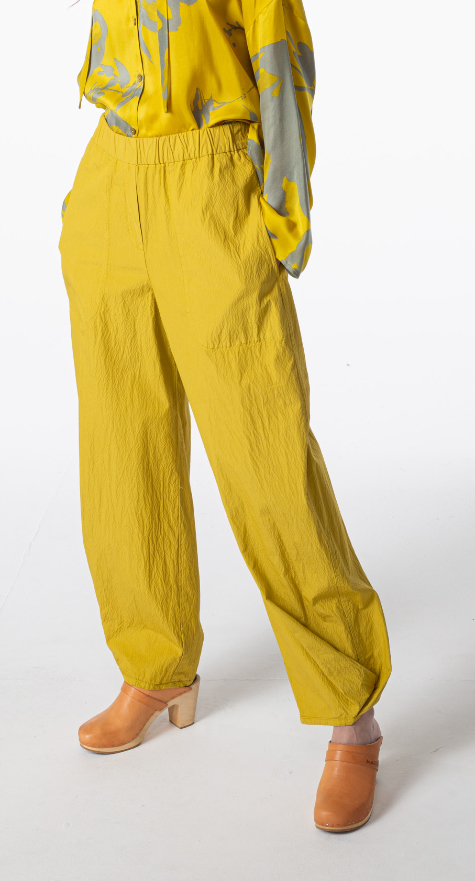 Oska lightweight cotton trousers in Lemon yellow.
