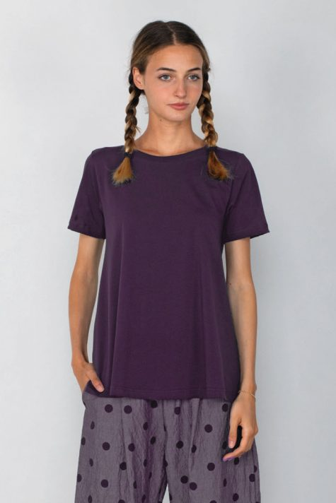 Mama B cotton knit A-line tee in burgundy purple.