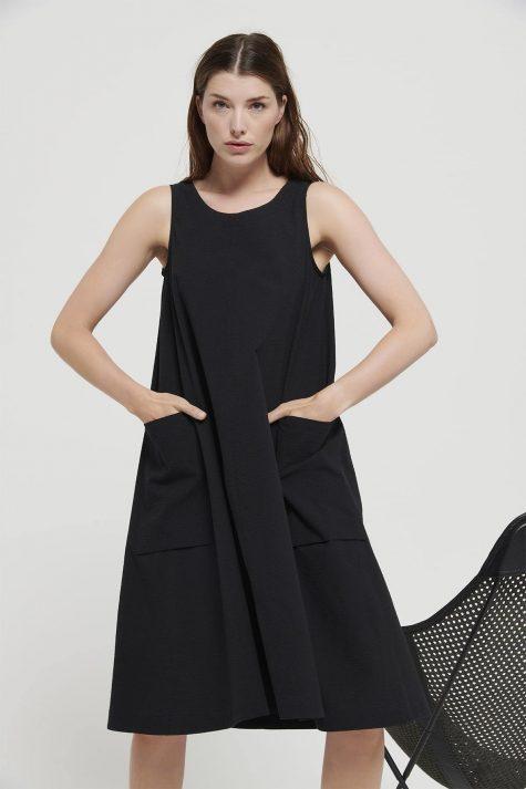 Mes Soeurs et Moi A-line lightweight seersucker dress.