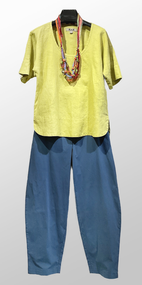 Flax short-sleeve linen tee, over Mes Soeurs et Moi relaxed brushed cotton pants.