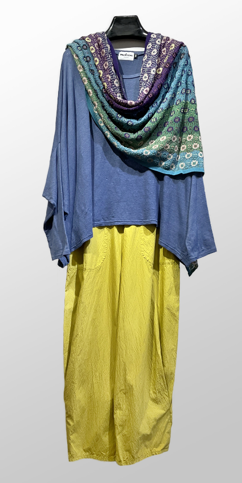 Motion boxy onesize top in linen jersey, over Oska relaxed cotton pants in lemon yellow.