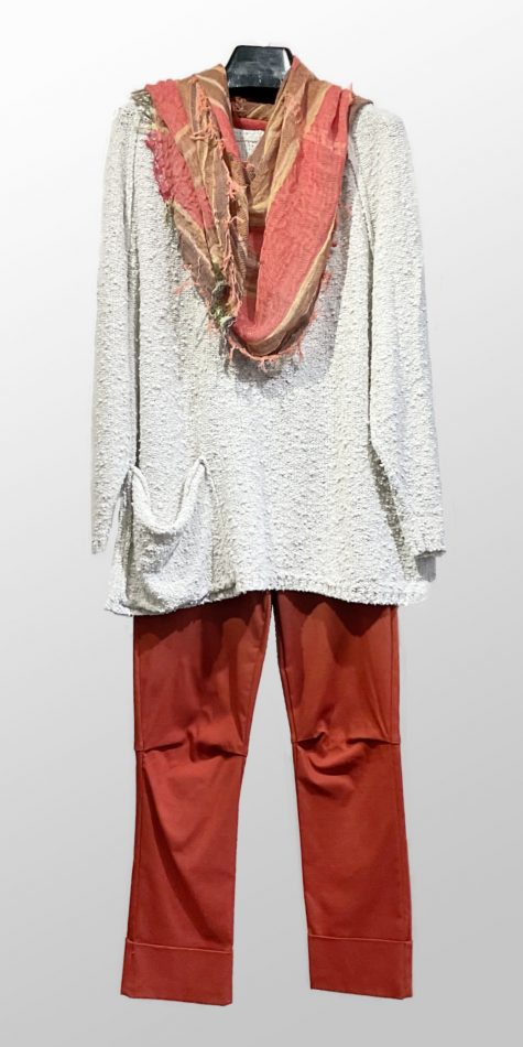 Mes Soeurs et Moi light textured knit pullover, over Vespa pants in rust red.