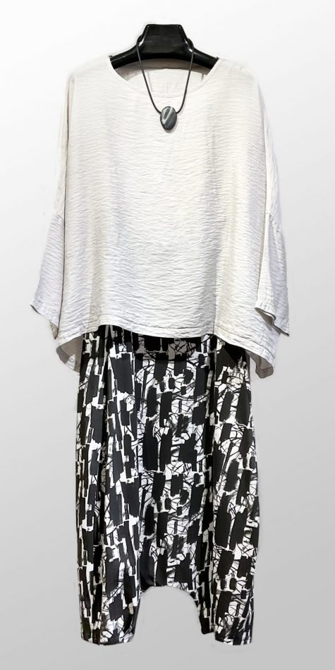 Motion parachute rayon onesize top, over Mama B drop-rise knit pants.