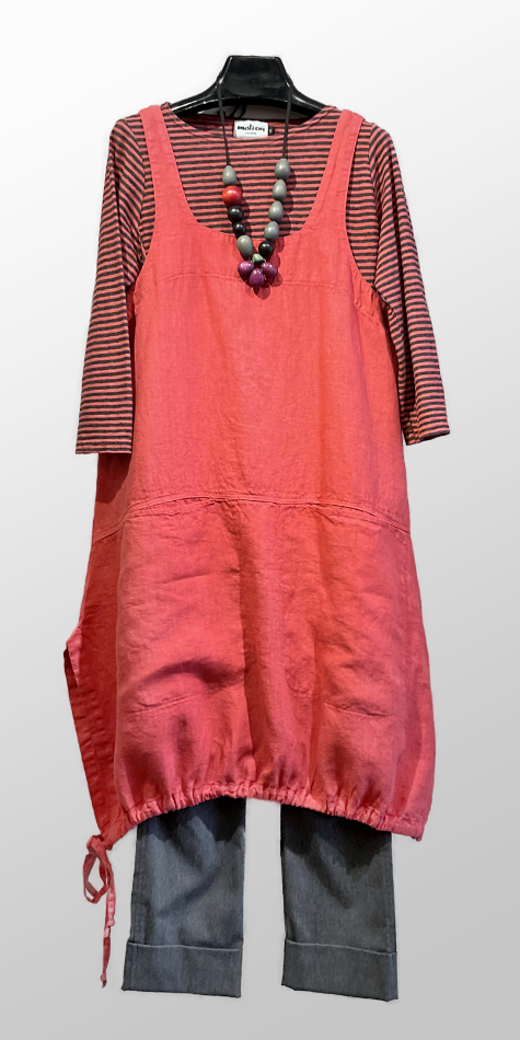Motion 100% linen classic pinafore, over a Motion 3/4 sleeve stripe tee. Paired with Vespa pants in heather grey.