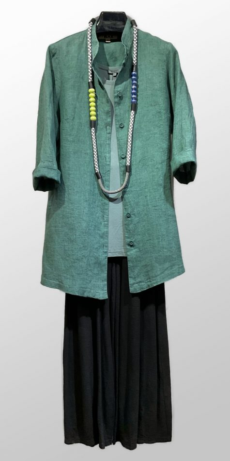 Flax 100% linen 3/4 sleeve blouse, over an Oska soft knit tank top, and Motion cotton-linen darted cropped pants.