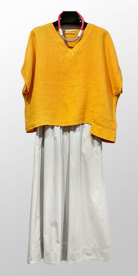 Elemente Clemente short-sleeve V-neck top, over Mes Soeurs et Moi lightweight cropped cotton pants.
