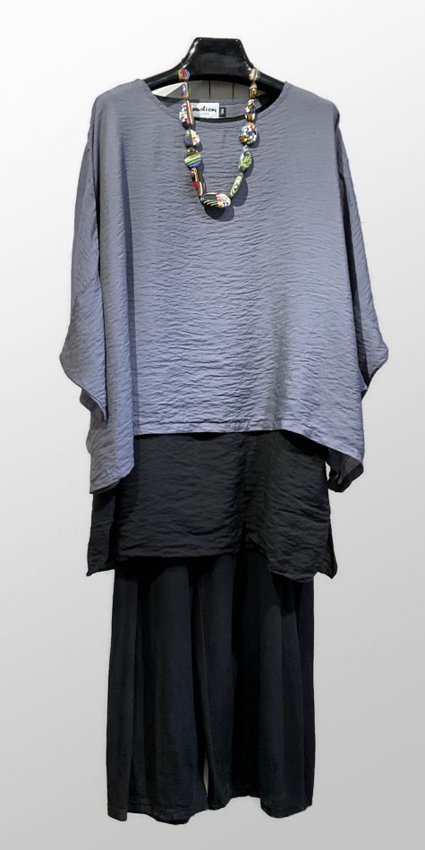 Motion onesize parachute crop top, over a Motion parachute layering tunic. Paired with Motion cotton-linen knit cropped pants.