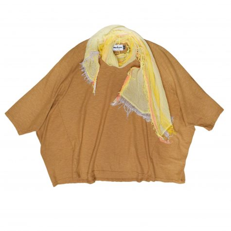 Motion cotton-linen onesize boxy pullover, in antique gold. Paired with a small Tamaki Niime 100% cotton gauze scarf.