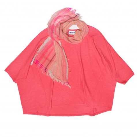 Motion cotton-linen onesize boxy pullover, in coral red. Paired with a small Tamaki Niime 100% cotton gauze scarf.