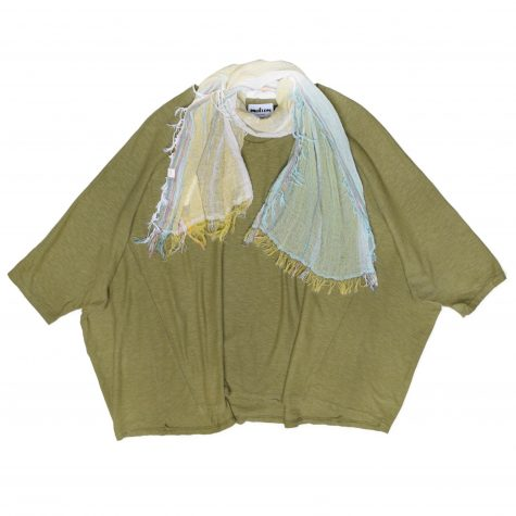 Motion cotton-linen onesize boxy pullover, in moss green. Paired with a small Tamaki Niime 100% cotton gauze scarf.