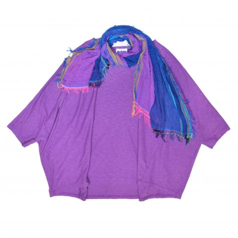 Motion cotton-linen onesize boxy pullover, in amethyst purple. Paired with a small Tamaki Niime 100% cotton gauze scarf.