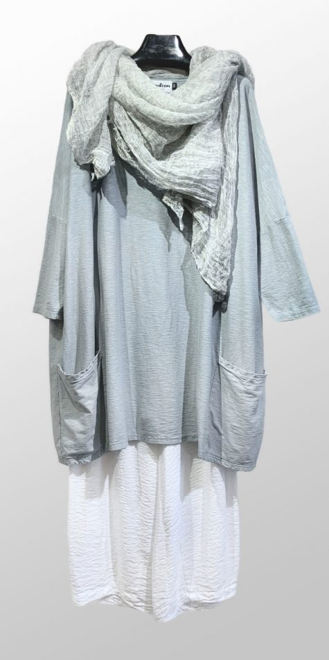 Motion classic 2-pocket tunic in Dolphin grey, over Motion parachute rayon darted crop pants. Paired with a Rundholz Black Label crinkled cotton shawl.