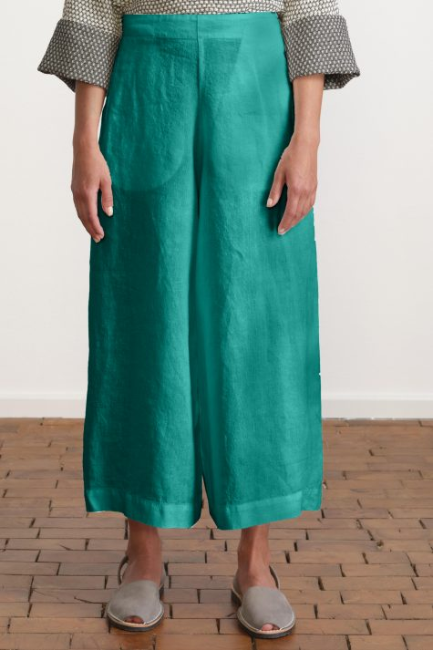 Elemente Clemente cropped linen pants.