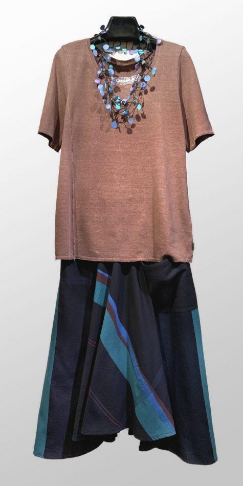 Oska hemp-cotton blend tee shirt, over a Tamaki Niime 100% cotton skirt.