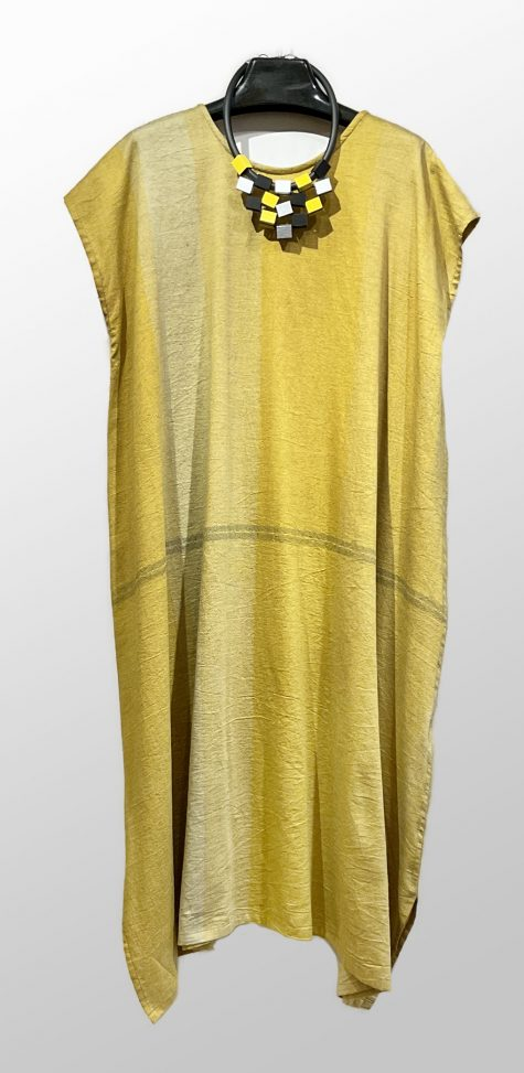 Tamaki Niime 100% cotton cap-sleeve caftan dress.