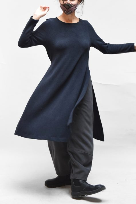 Mama B cozy knit long layering tunic, in navy blue. Over Motion belle pants in grey suiting.