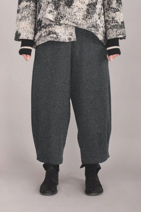 Mama B cotton knit tapered pants.