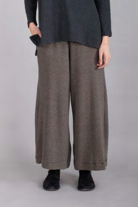 Mama B cozy knit relaxed pants.