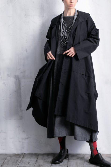 Moyuru long nylon windbreaker coat.