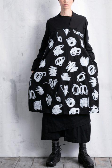 Moyuru scribble-printed tunic dress.