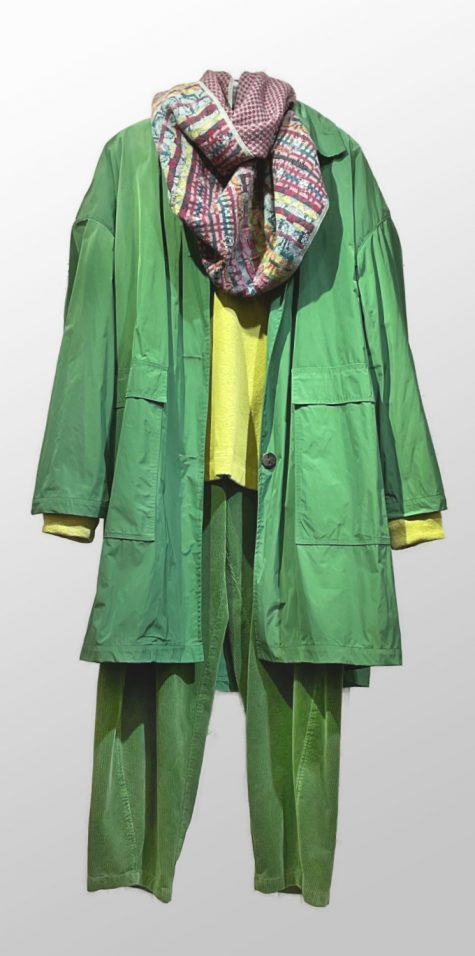 Mycra Pak big easy raincoat in Kelly green, with a Catherine Andre knit wool scarf. Paired over a Mes Soeurs et Moi cozy knit top, and Ischiko by Oska cotton corduroy pants.